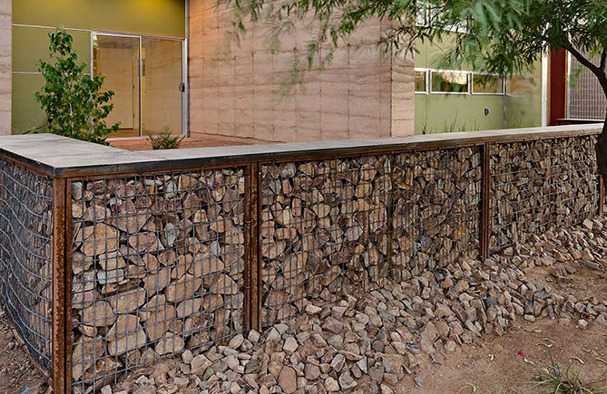 gabion deco montage de gabion exemple de ralisation en. Black Bedroom Furniture Sets. Home Design Ideas